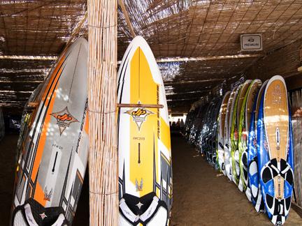Sotavento windsurf solo affitto fuerteventura sotavento - Tipi di tavole da surf ...